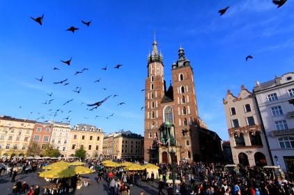 Basilique Notre-Dame de Cracovie et la place du marché (Pologne) ©Bertrand Lemeunier