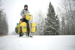 Traversée du Canada d'Est en Ouest - Ma première neige ! - Nord de la Saskatchewan ©Bertrand Lemeunier