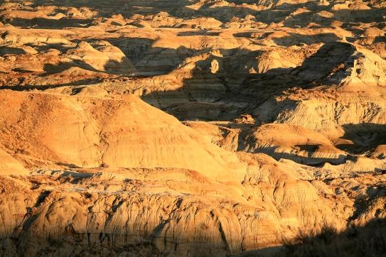 Coucher de soleil au Parc Provincial des Dinosaures, site du patrimoine mondial de l'UNESCO (Alberta, Canada) ©Bertrand Lemeunier