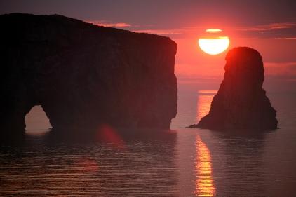 Coucher de soleil au Rocher Percé en Gaspésie (Québec, Canada) ©Bertrand Lemeunier