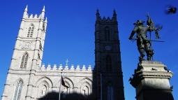 Basilique Notre-Dame de Montréal et le monument à Maisonneuve (Québec, Canada) ©Bertrand Lemeunier