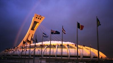 Stade Olympique de Montréal en fin de journée avec un arc-en-ciel (Québec, Canada) ©Bertrand Lemeunier