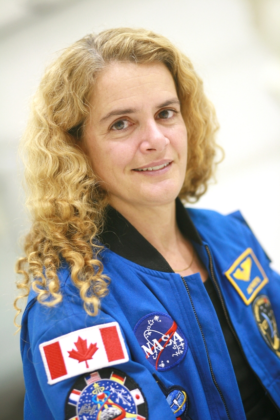 Portrait de l'astronaute Julie Payette à l'Agence Spatiale Canadienne (St-Hubert, Québec, Canada) ©Bertrand Lemeunier