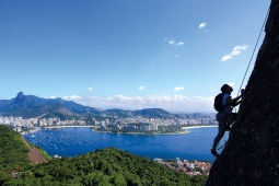 Escalade du Pain de Sucre par la voie des Italiens (Rio de Janeiro, Brésil) ©Bertrand Lemeunier