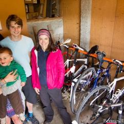 Au retour de notre séjour dans la péninsule Otago, nous cherchions un endroit où dormir à Dunedin. Finalement, grâce au site internet warmshower, nous avons rencontrés deux fous de vélo, Bryony et James. Pas moins de 14 vélos à eux deux !! Merci beaucoup pour votre chaleureux accueil et nous vous souhaitons bon voyage sur deux roues dans les prochains mois ;-)