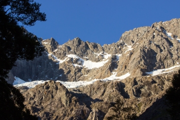 18-Parc-National_Fiordland_montagnes_neige_NZ_Terra-Tributa